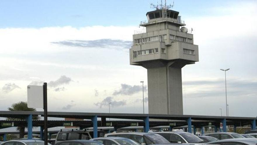 Piden liberalizar la formación de los controladores aéreos