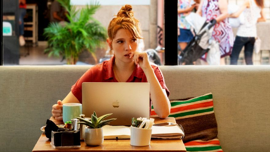 Diana Gómez como 'Valeria'
