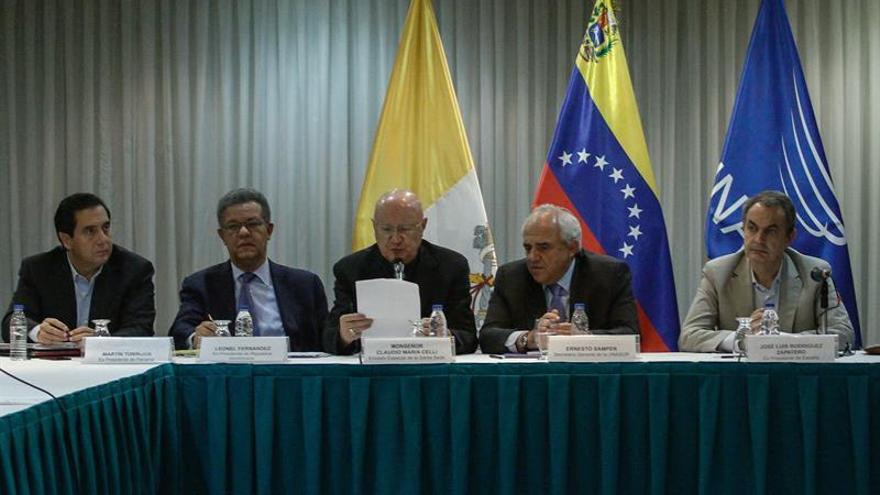 Mediadores en Venezuela recuerdan el compromiso de cesar las descalificaciones