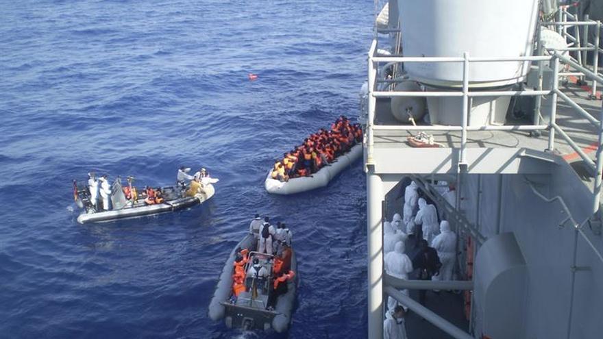 Salvados 1.400 inmigrantes en siete operaciones en el Mediterráneo