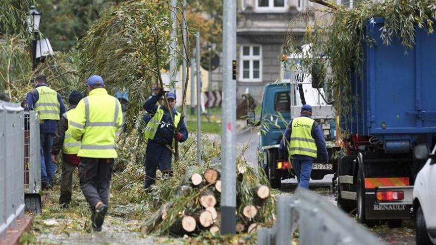El temporal deja en Polonia dos muertos y al menos 39 heridos