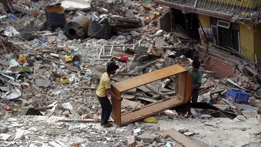 Nepal se prepara para la reconstrucción dos semanas después del terremoto
