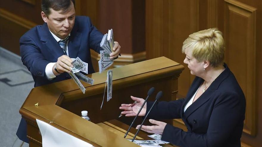 Oleg Liashkó pide la impugnación de Poroshenko