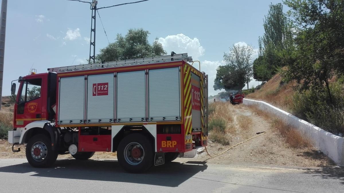 Los parques de bomberos de Guadix y Loja están infradotados en cuanto a personal