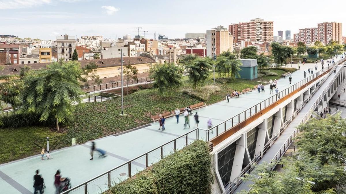 Highline de Sants en Barcelona, con adoquines de hormigón descontaminantes