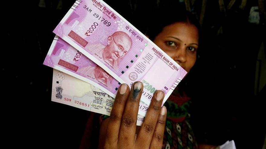 La India se asoma a un conflicto diplomático por falta de dinero en efectivo