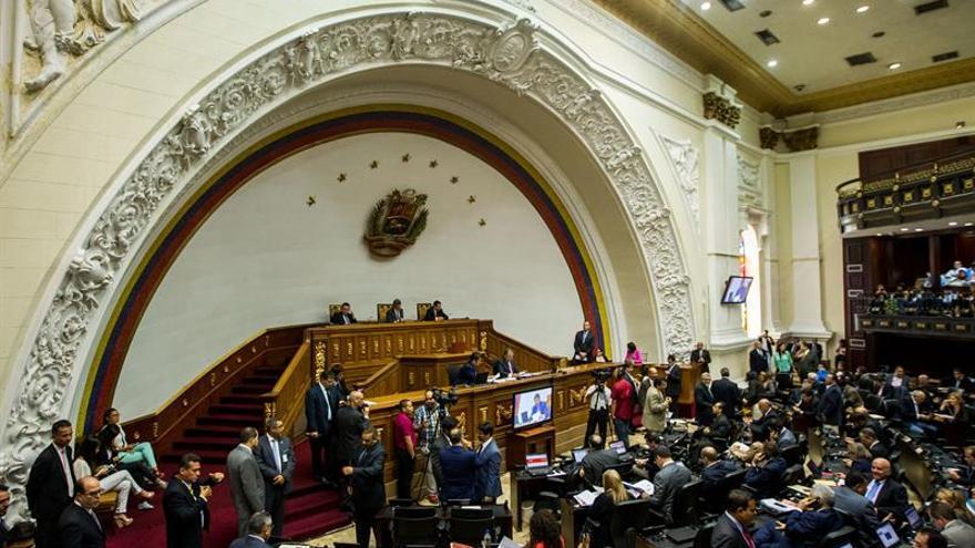 "Un diputado venezolano propone hacer un referendo revocatorio ""popular"" a Maduro"
