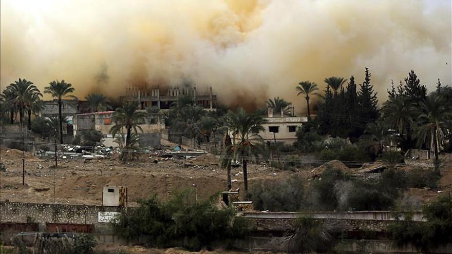 Los palestinos piden a Egipto abrir la frontera con Gaza al menos una vez por semana