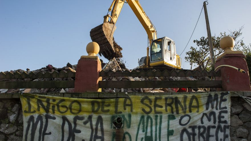 La casa de Amparo Pérez ha sido reducida a escombros.   JOAQUÍN GÓMEZ SASTRE
