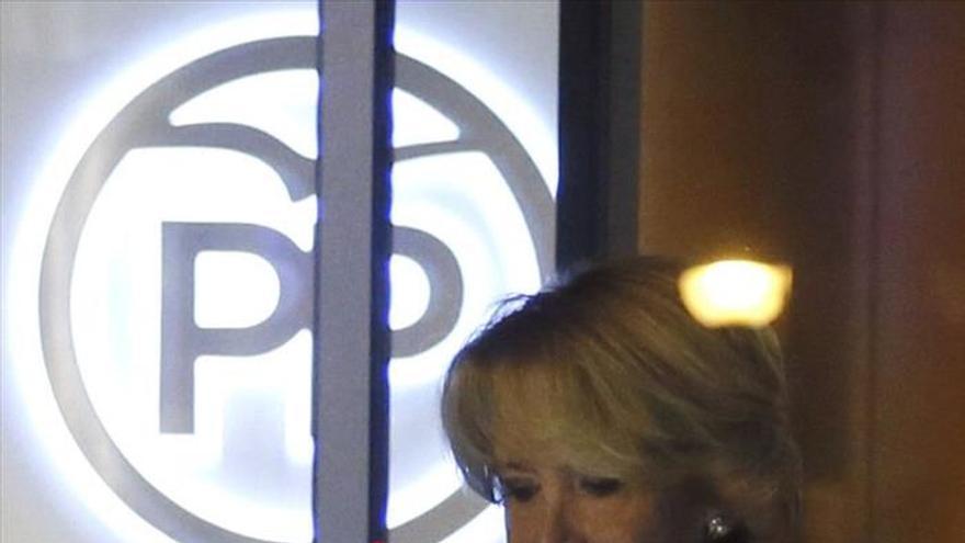 Esperanza Aguirre, poco antes de comparecer ante los medios de comunicación tras los registros en el PP madrileño.