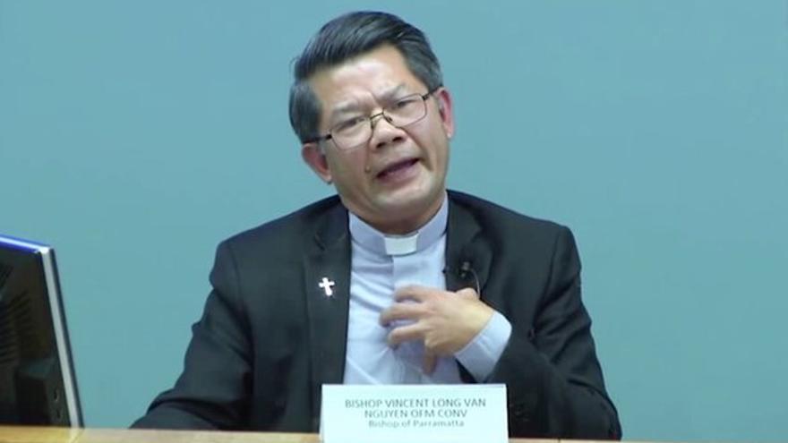 El obispo australiano Vincent Long.
