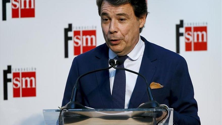 Ignacio González defiende sus frutos y teme que un cambio de políticas los dilapide
