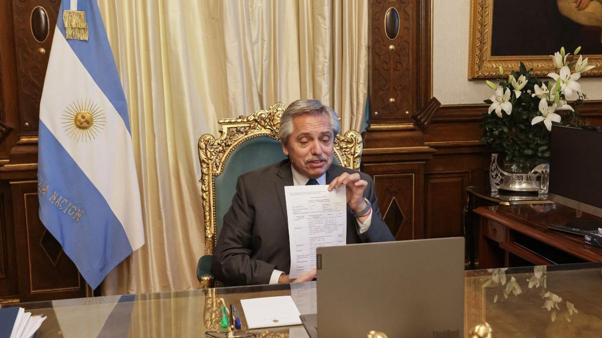 Alberto Fernández mantuvo una teleconferencia con el presidente de Richmond, Marcelo Figueiras.