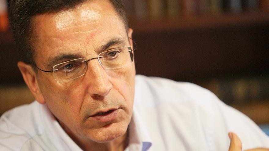 José Alberto González Reverón dimite como alcalde de Arona (Tenerife) tras ser inhabilitado por la Justicia