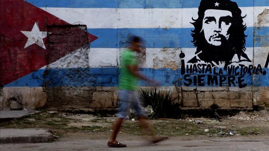 Cuba celebra el 86 cumpleaños del Che Guevara con peregrinación y homenajes