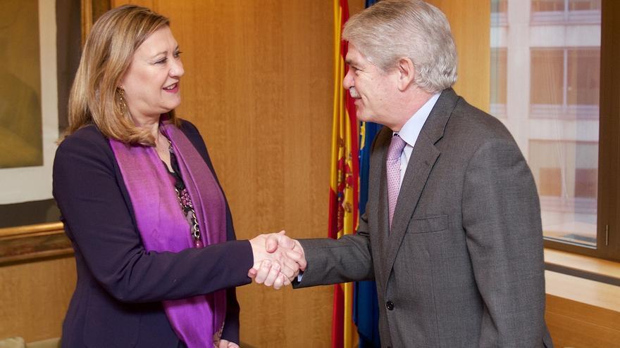 Alfonso Dastis, diplomático experto en la UE, sustituye a Margallo al frente de Exteriores