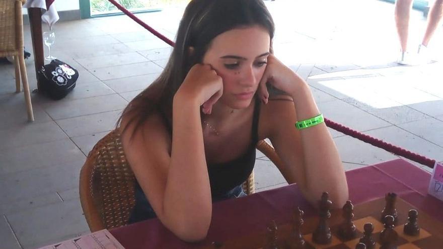 Adhara Rodríguez, en el campeonato de ajedrez de Fuerteventura