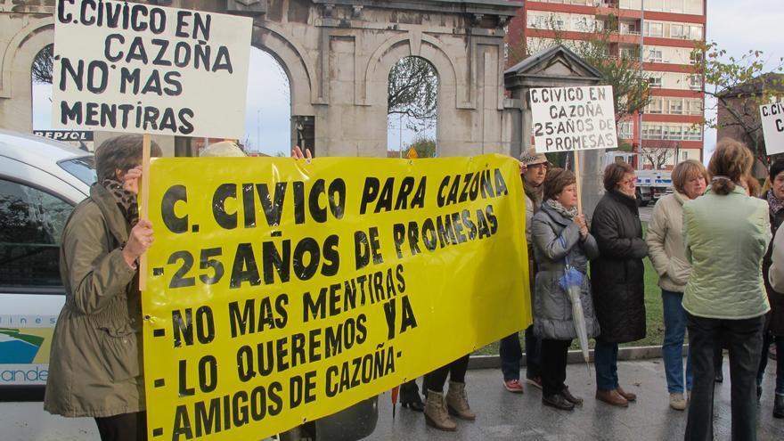 De la Serna no presentó a la cita con los vecinos al ver que le esperaban con pancartas de protesta.