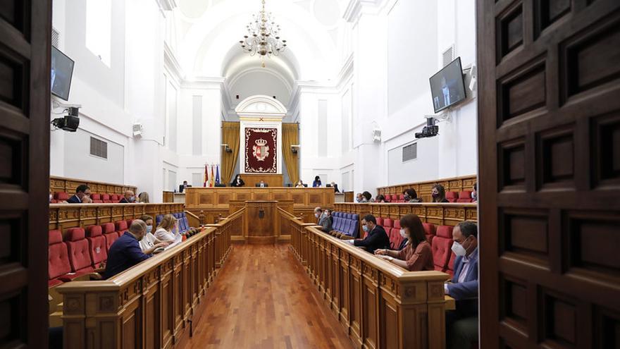 Las Cortes de Castilla-La Mancha modifican su reglamento para permitir votaciones y plenos telemáticos