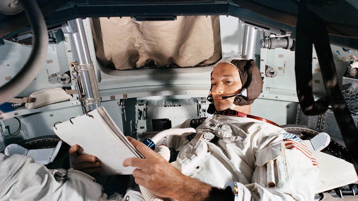 Michael Collins, en 1969, fotografiado durante una simulación de la misión