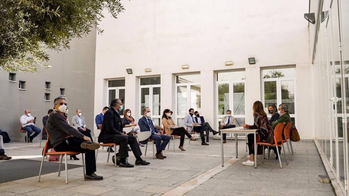 Reunión de la Asociación de Organizadores de Congresos y Profesionales de Córdoba, en la sede de CECO.
