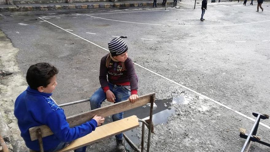 Los colegios del este de Alepo reabren en un intento de volver a normalidad