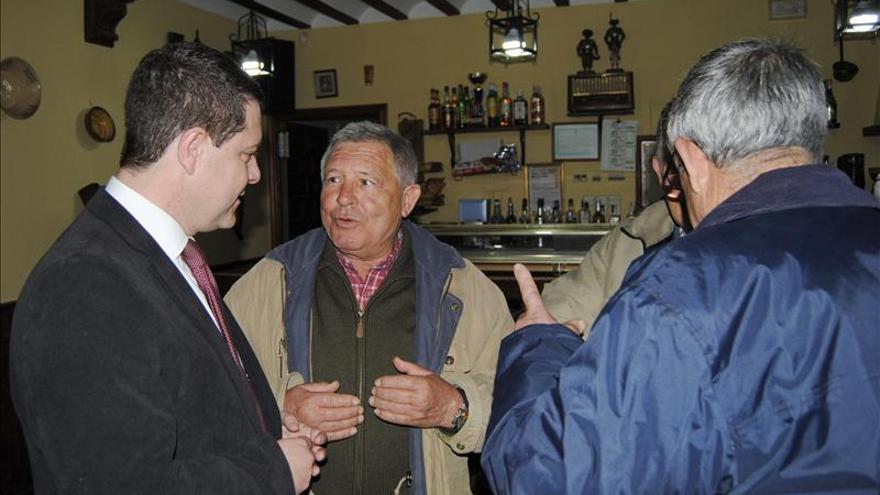 """Page exige a Cospedal que abandone su """"soberbia"""" con vecinos del medio rural"""