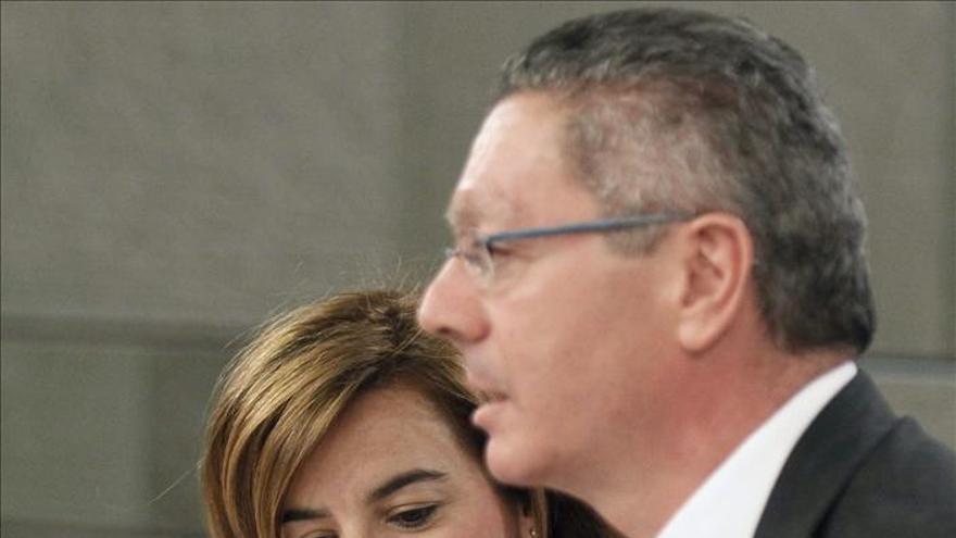 Sáenz de Santamaría pide seriedad a Mas en sus propuestas