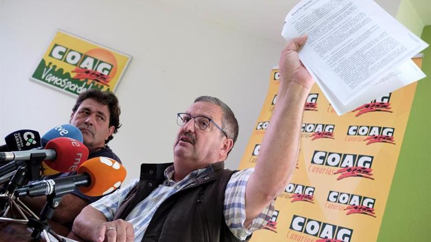 El presidente de COAG-Canarias y el coordinador de la provincia de Las Palmas, Rafael Hernández (derecha) y Juan Antonio Hernández, respectivamente.