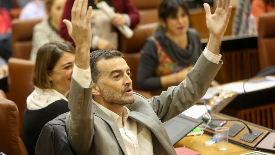 Parlamento aprueba por unanimidad una moción de IU para desburocratizar el sistema educativo