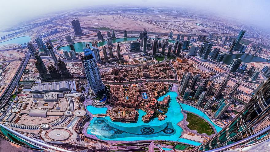 Vistas desde lo alto del edificio más alto del mundo. Maher Najm
