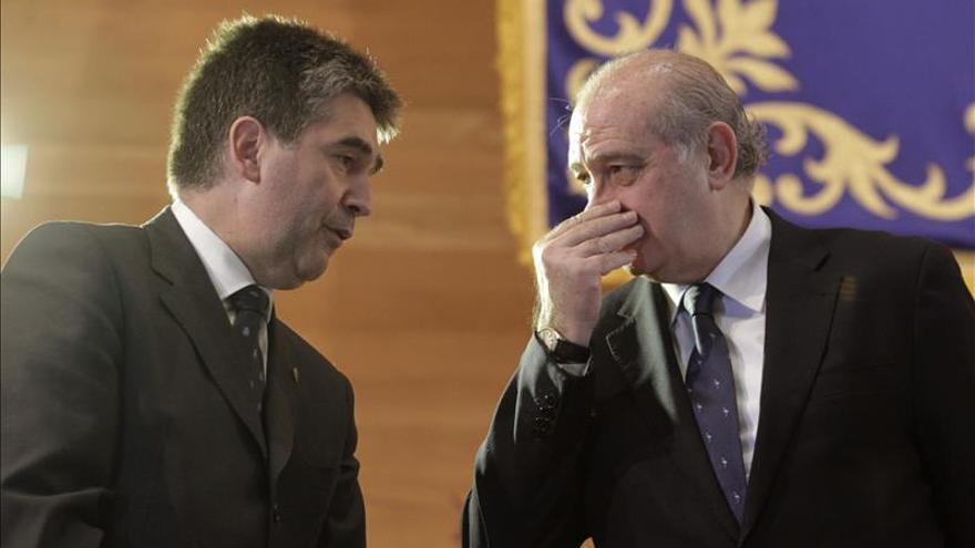El ministro del Interior dice que las mafias están muy atentas a lo que sucede tras tragedia de Ceuta