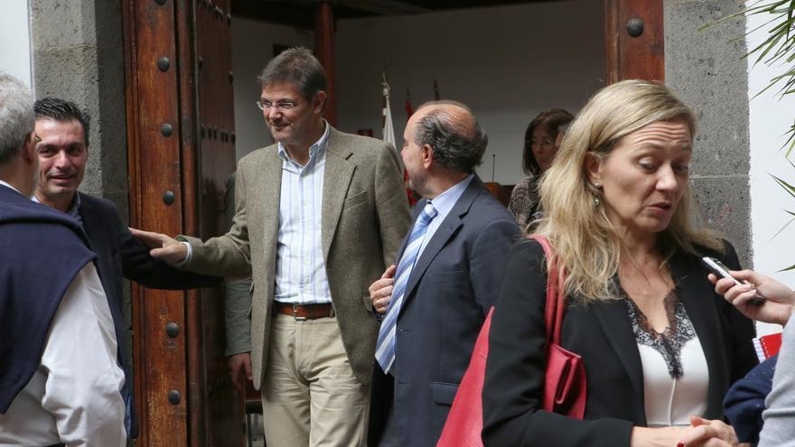El ministro Rafael Catalá y la jueza Victoria Rosell en Las Palmas de Gran Canaria