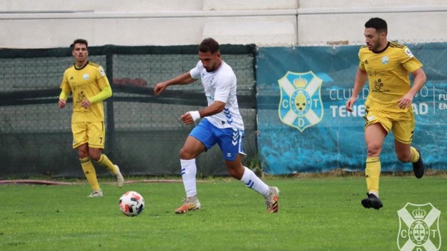 Dos partidos de la Tercera División canaria se caen por la Covid-19