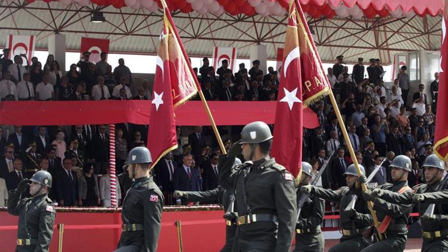Chipre conmemora el aniversario de su división y espera acabar con ella en 2016