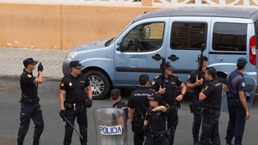 Un grupo de policías 'quema' los barrios de LPGC