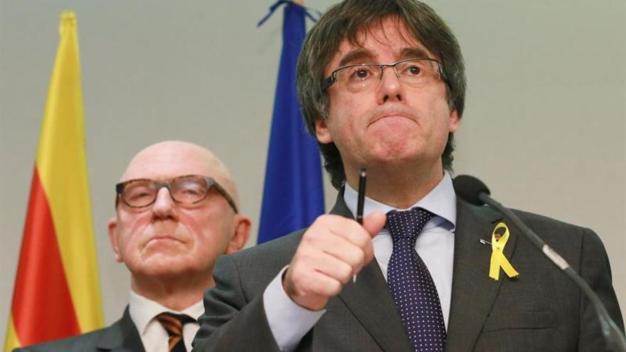 """Puigdemont: Remontar el 21D sería """"muy difícil"""" con todo el Govern en prisión"""