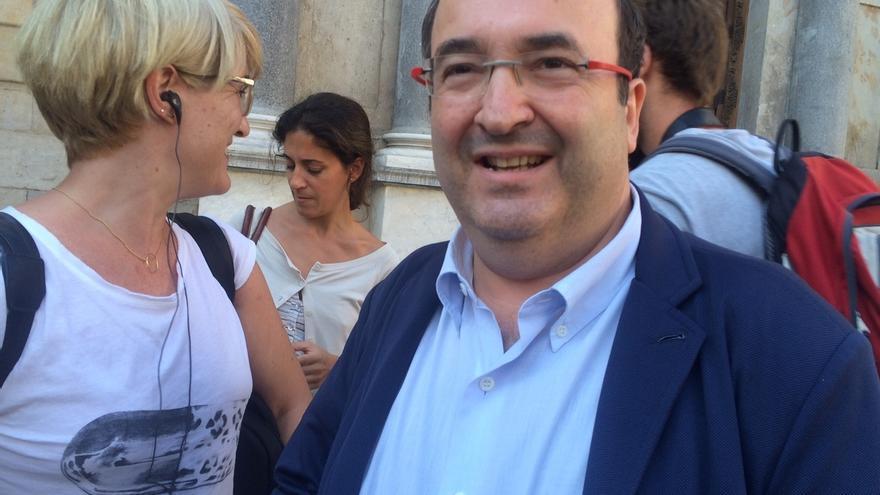 Iceta (PSC) transmite a Puigdemont que no le apoyará en su cuestión de confianza