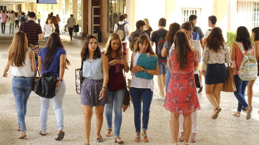 La UPO pone en marcha su primer fondo de ayudas de solidaridad para unos 70 alumnos en riesgo de exclusión