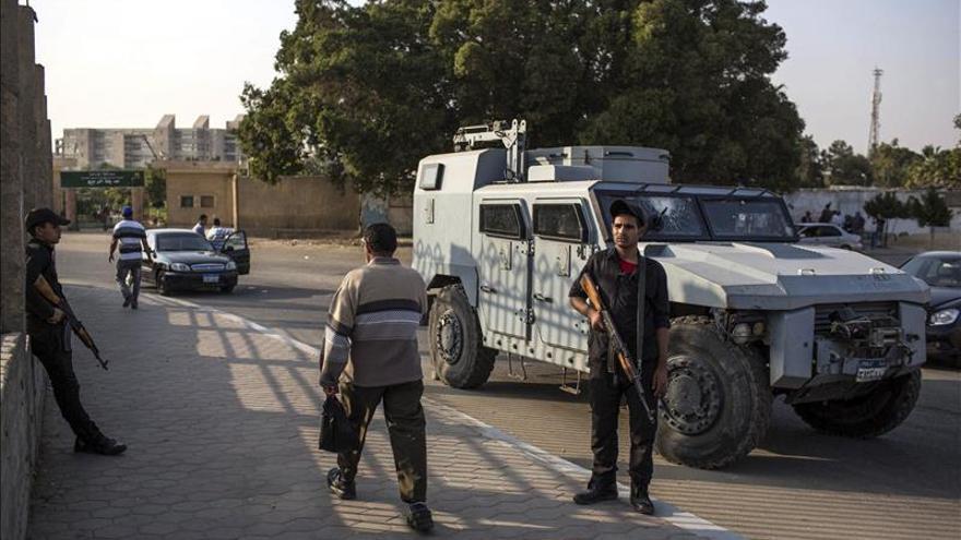 Mueren dos supuestos islamistas en una redada en El Cairo