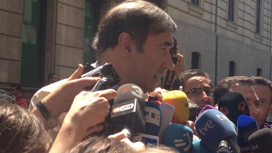 Pedro J. Ramírez, tras prestar declaración ante el juez Ruz. Foto: Irene Castro