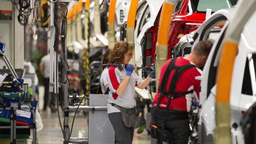 La actividad industrial en España cierra 2019 a la baja, según Markit