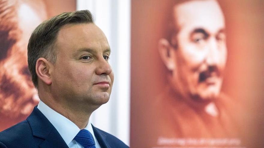 """""""Los seguidores de Hitler no tienen cabida en Polonia"""", dice su presidente"""
