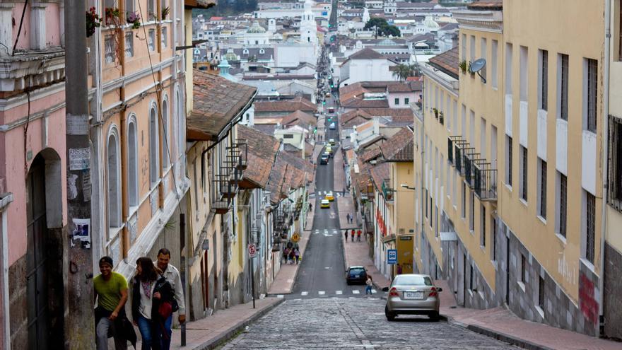 Vista del casco colonial de la ciudad de Quito desde la calle 'Siete Cruces'. VIAJAR AHORA