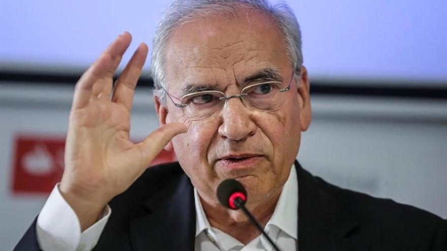 """Guerra no ve """"salida posible"""" al bloqueo con la situación """"cainita"""" del PSOE"""