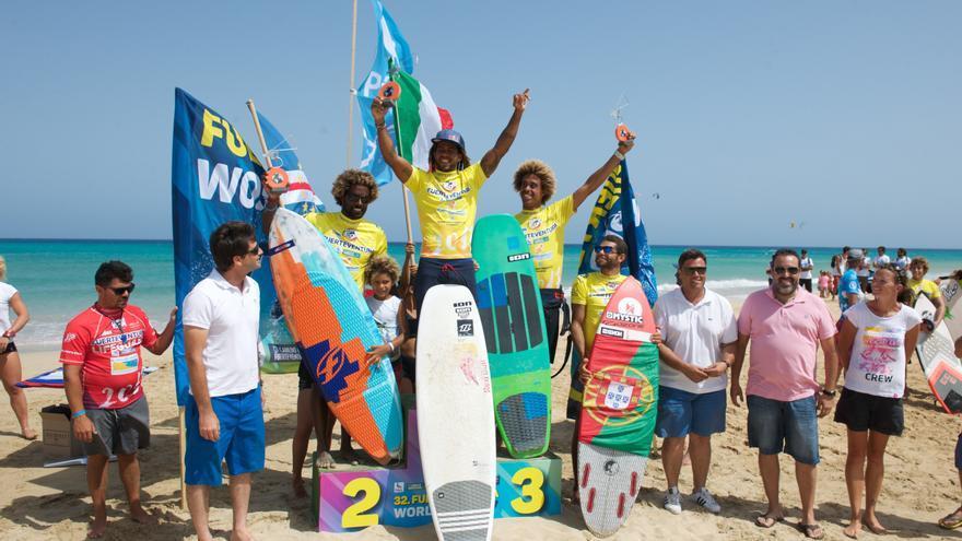 El caboverdiano con bandera italiana Airton Cozzolin, campeón en la modalidad de 'Freestyle'