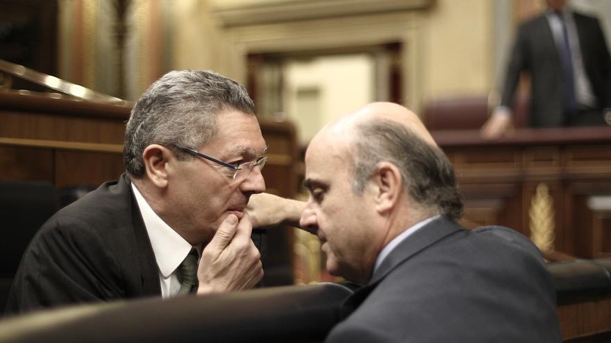 """Guindos expresa su apoyo a Gallardón y asegura no haber oído nada que """"suene a despedida"""""""