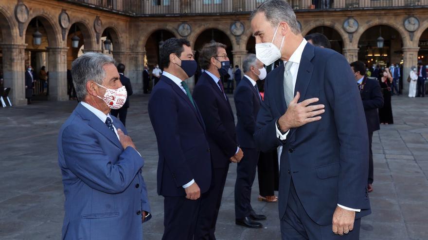 Revilla con el Rey en la Conferencia de Presidentes en Salamanca