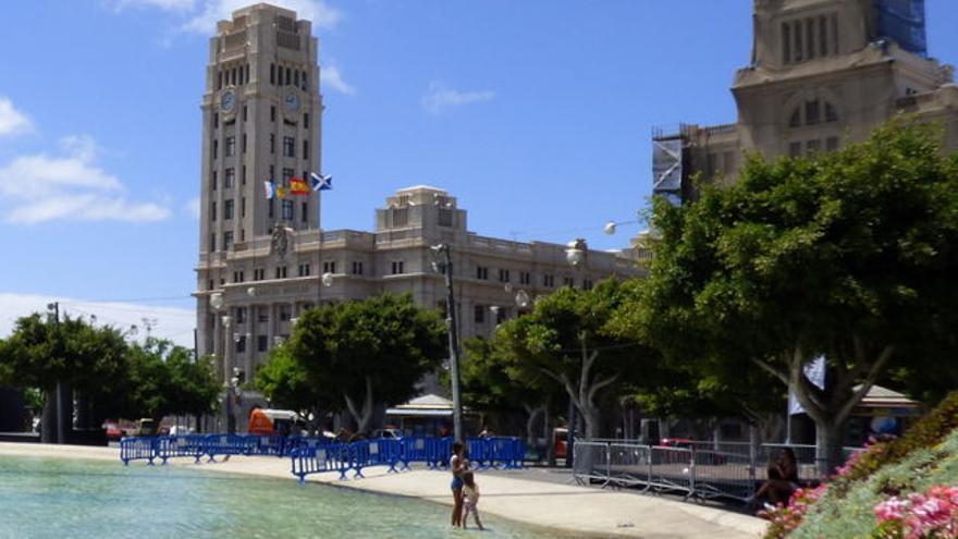 Edificio del Cabildo de Tenerife en la Plaza de España.