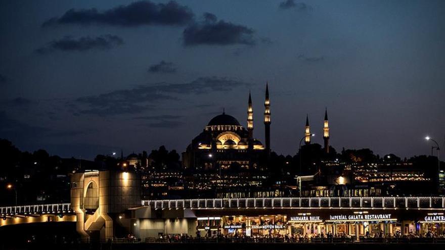 La inflación en Turquía roza el 16 %, el máximo desde 2004